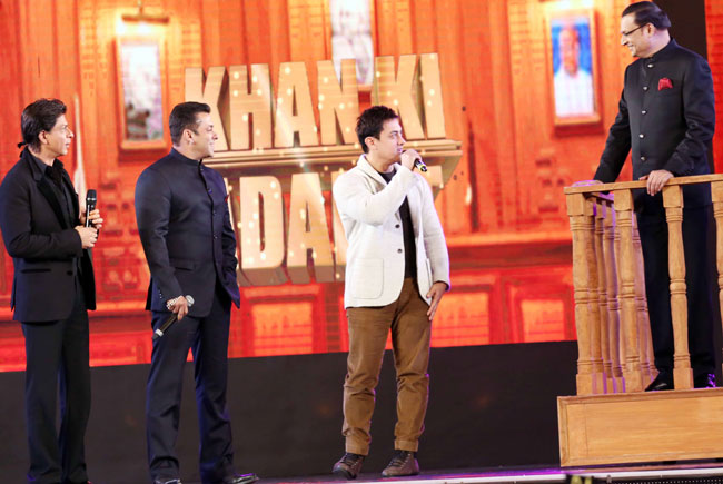 The Khantastic moment when the three khans shared the same stage for 1st time.