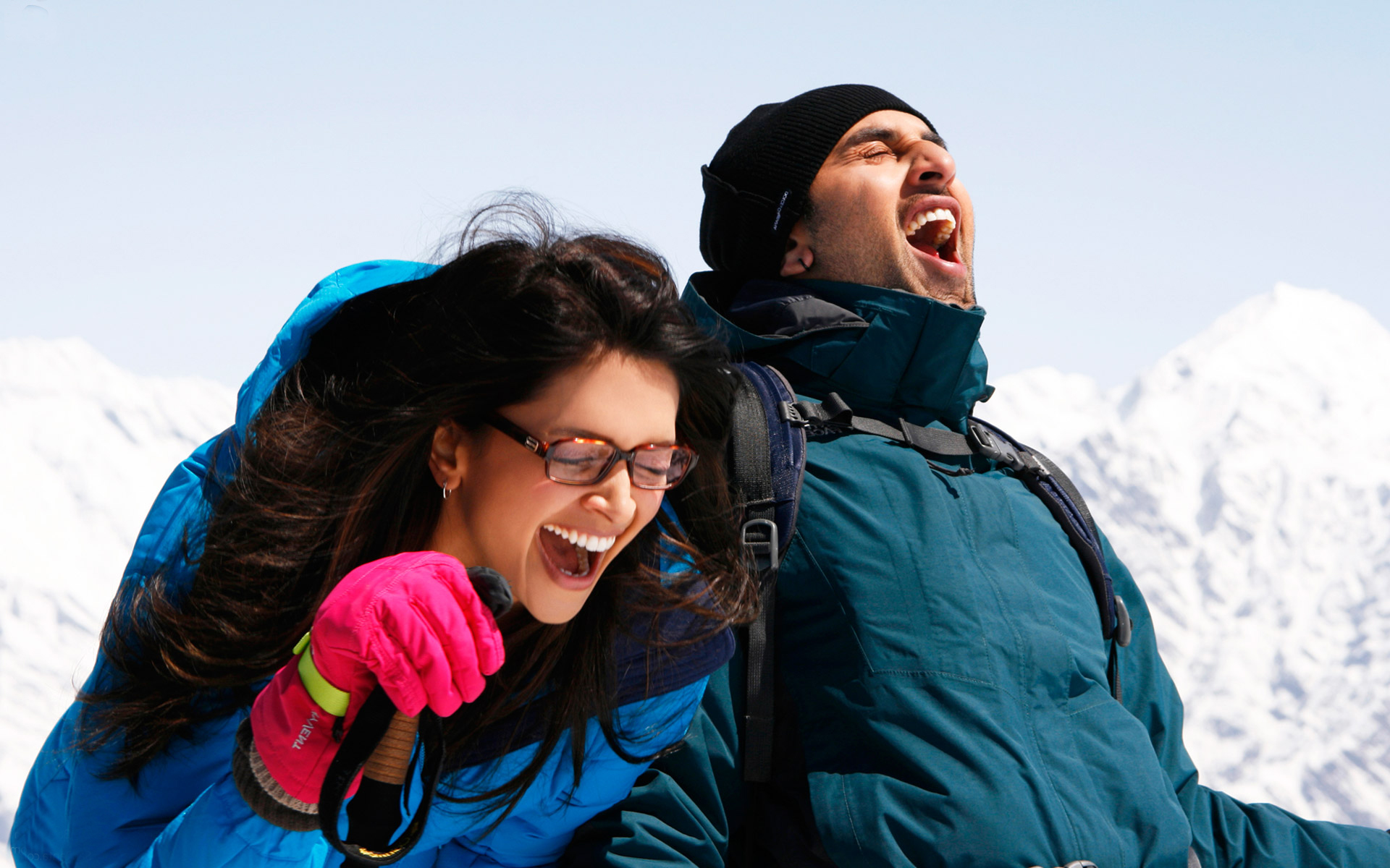 11 Best Ways For The Couples To Romance In The Winters