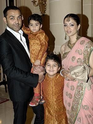 Sunny-Deol-Family-Pictures-06-06.-jpg