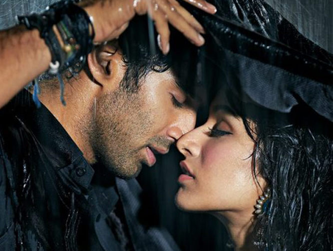 Best Ways For The Couples To Romance In The Monsoons