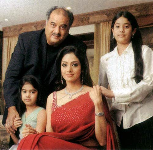 sridevi-with-boney-kapoor-and-family_051311023553