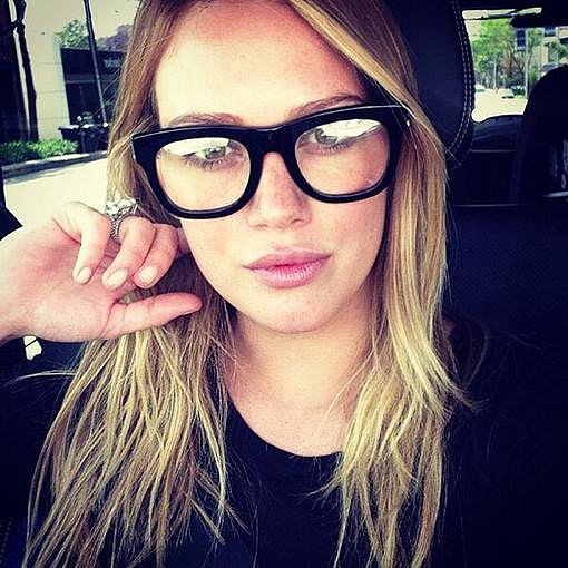 Hilary-Duff-had-nerdy-kind-day-while-wearing-pair