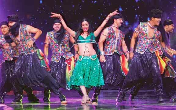 Malaika Arora Khan's Wardrobe Malfunction at India's Got Talent 6