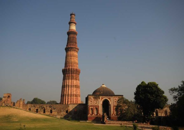 Qutub-Minar-Delhi-Gohoto
