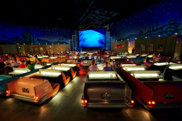 sci-fi-dine-in-theatre-at-disney-world-hollywood-studios