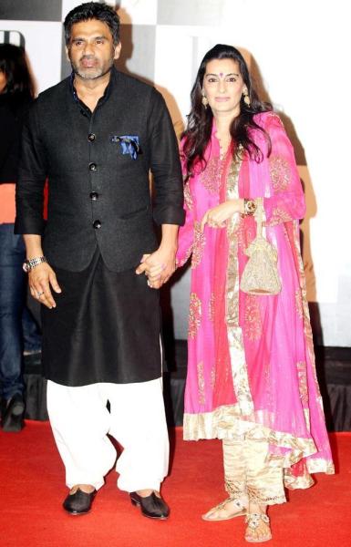 sunil-wife-mana-shetty-looks-great-pic