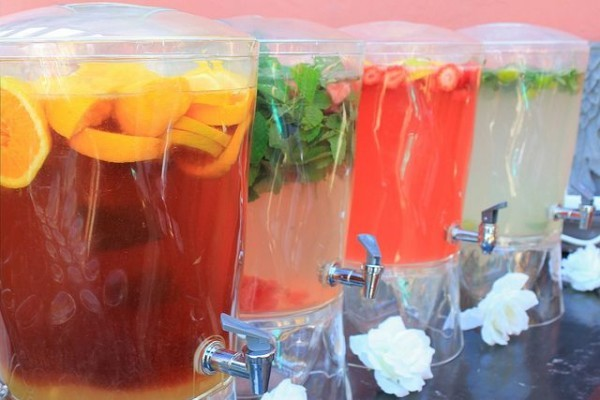 Yummy-mocktails-for-non-boozy-but-very-cool-wedding-drink-alternatives-600x400