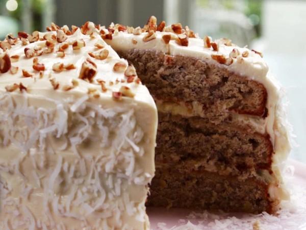 PB1301H_hummingbird-cake-recipe_s4x3