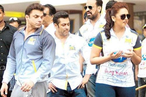 Salman-Sohail-checking-out-Huma-Qureshi