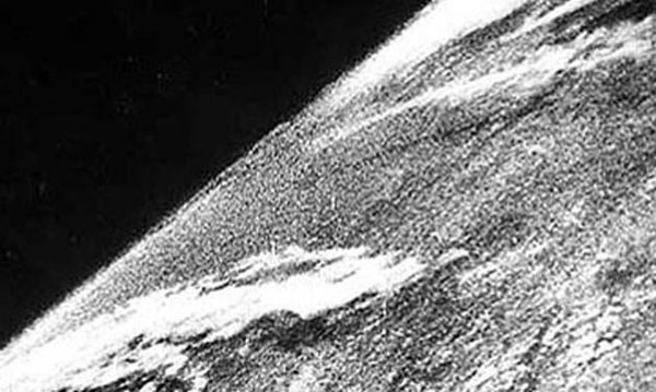 The First Photo Of Outer Space (1946)