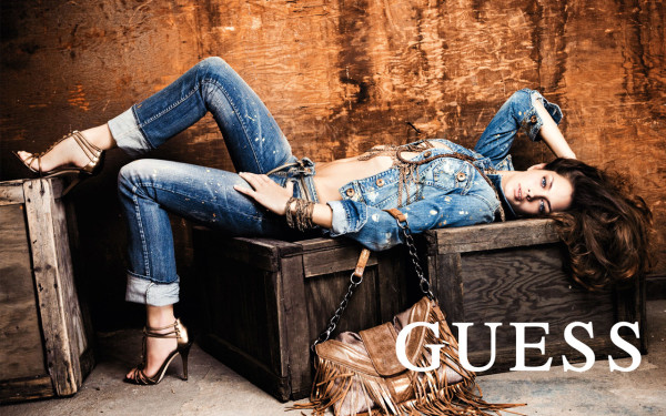 guess_jeans_fashion_ad_wallpaper