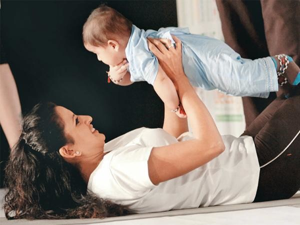 flipkart-offering-attractive-maternity-package-to-retain-women-employees-also-plans-to-pay-50-of-day-care-charges-for-children