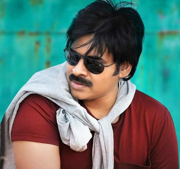pawan-kalyan-attarintiki-daredi-cool-pic-red-t-shirt