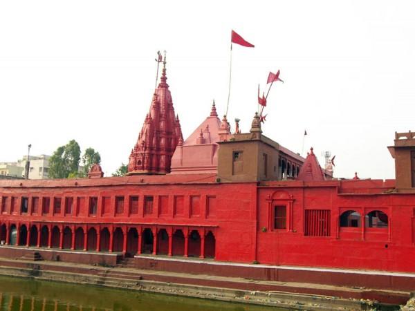 durga-temple-in-varanasi