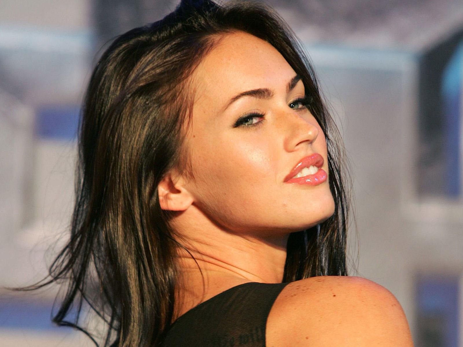 Megan Fox Wallpaper Hd To Make Transformers 5 Comeback Jpeg 126121