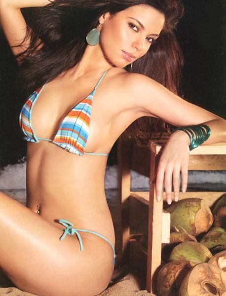 Paparazzi Leaked Mia Uyeda  nude (91 fotos), Twitter, bra