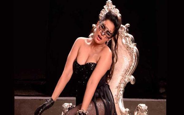 Film--Cabaret-hero-of-Richa-Chadha