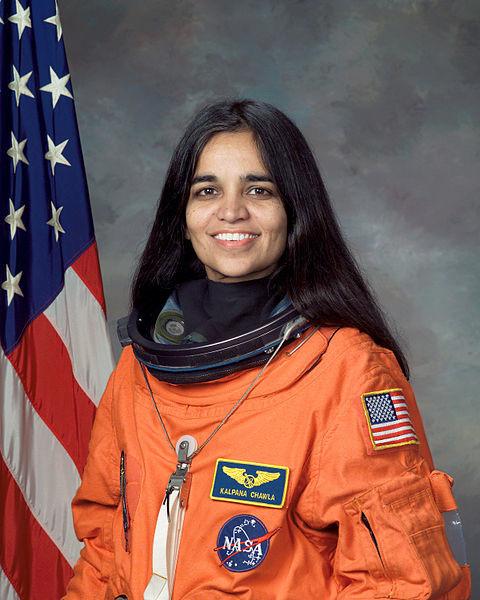 480px-Kalpana_Chawla,_NASA_photo_portrait_in_orange_suit2