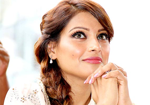 Bollywood Stars Who Don't Drink Alcohol Bipasha