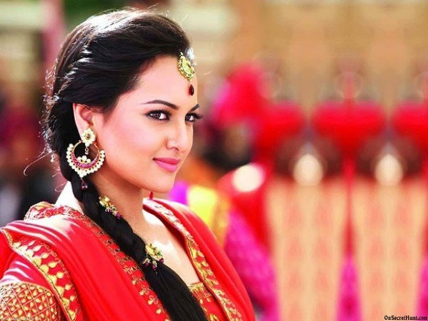 Bollywood Stars Who Don't Drink Alcohol Sonakshi