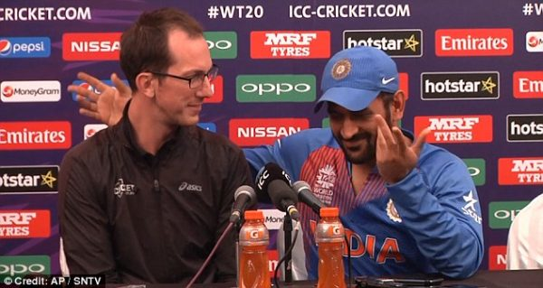ms dhoni with reporter funny