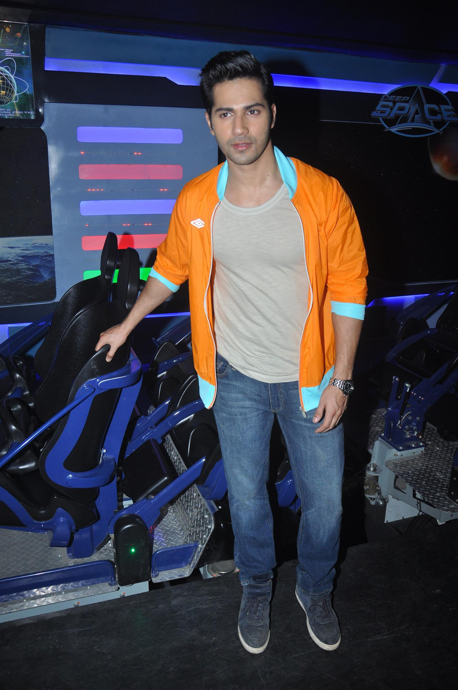 varun-dhawan-unveils-deep-space-ride-at-adlabs-imagica-40180