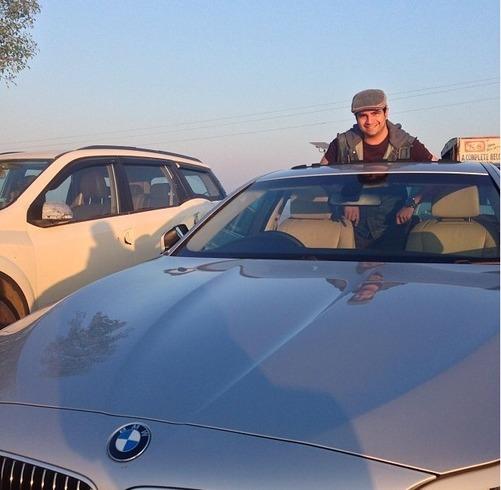 14karan-mehra-car