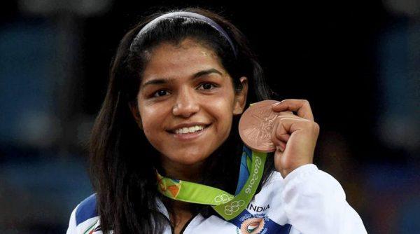 Sakshi Malik poses with her bronze medal
