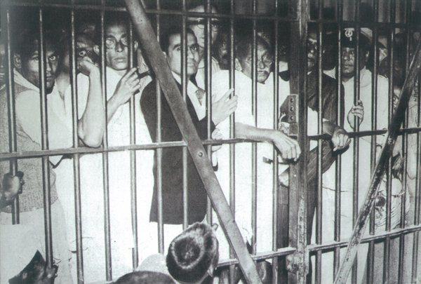 gandhi-nehru-in-jail