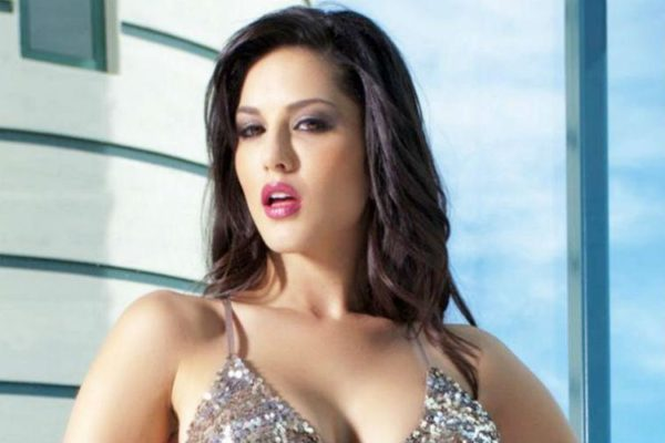 "Her real name is not Sunny Leone, it is ""Karanjeet Kaur Vohra""! It was only after entering the adult industry that she changed her name to Sunny Leone."