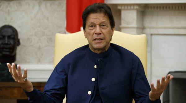 Pak PM Imran Khan's Former Wife Reham Khan Heavily Slammed Him Over Article 370