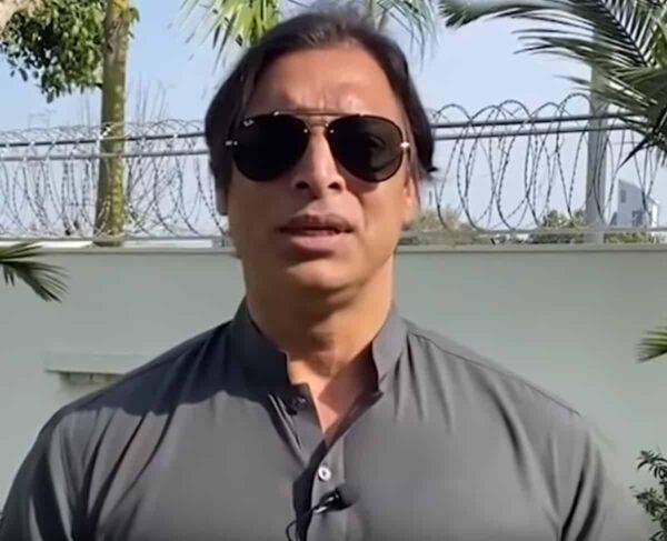 "Manoj Tiwary Trolls Shoaib Akhtar & Other Pak Players, Says ""God Bless Them With Some Sense"""