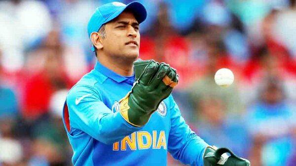 Irfan Pathan Has An Epic Reply To Fan Who Asks About Virat Kohli On Irfan's Farewell Match Tweet