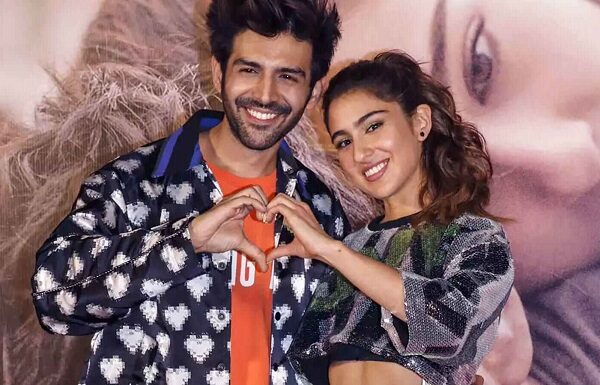 Kartik Aaryan & Sara Ali Khan Unfollow Each Other On Instagram. All Not Well Between The Duo?