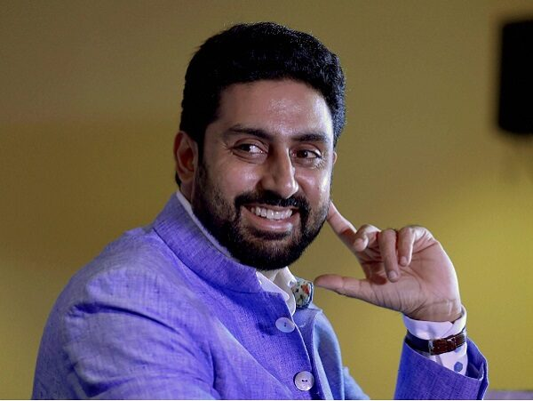 Abhishek Bachchan Roasts Troller Who Says He Doesn't Deserve To Be Aishwarya Rai's Husband