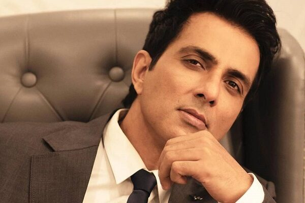 Sonu Sood's Response To Needy Woman Who Asks For Help Will Win Your Heart