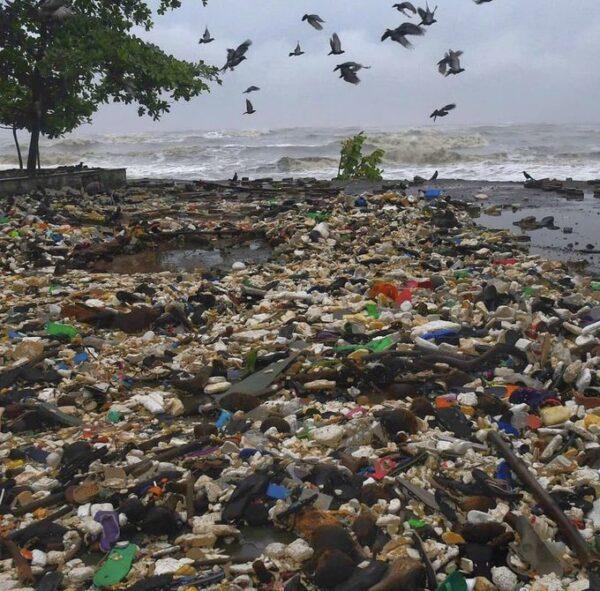 Mumbai Beach1